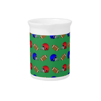 modelo verde de los cascos de fútboles jarra para bebida