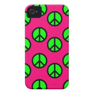 Modelo verde de neón del Hippie del signo de la pa iPhone 4 Case-Mate Protector