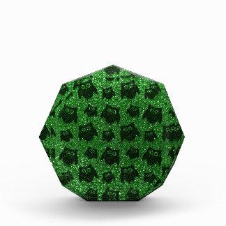 Modelo verde del brillo del búho