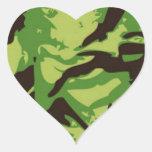 Modelo verde del combate pegatina en forma de corazón