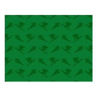 Modelo verde del esquí postales