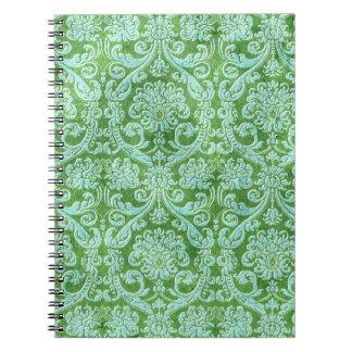 Modelo verde del papel pintado floral del damasco libro de apuntes con espiral