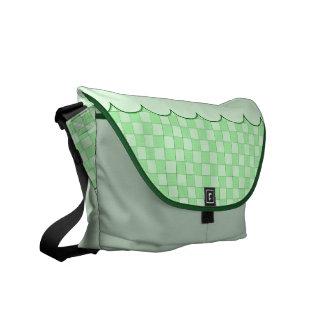 Modelo verde del remiendo bolsa de mensajeria