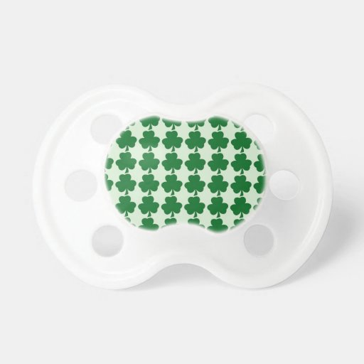 Modelo verde del trébol chupetes de bebe