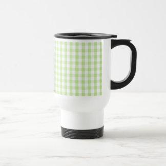Modelo verde en colores pastel de la guinga tazas