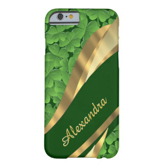 Modelo verde irlandés personalizado del trébol funda de iPhone 6 barely there