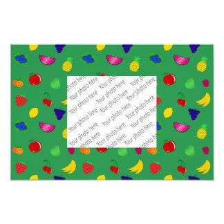 Modelo verde lindo de las frutas