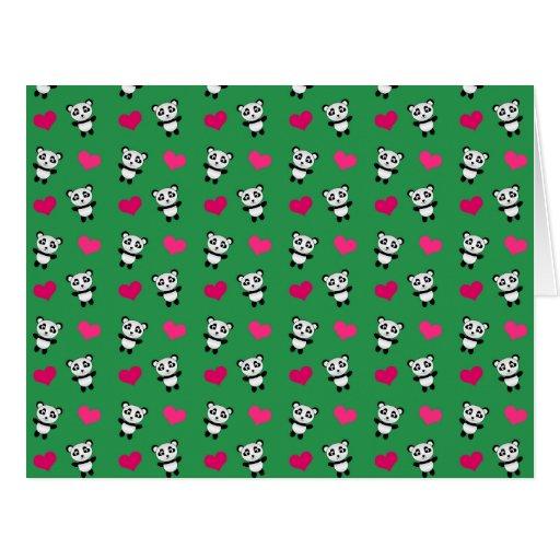 Modelo verde lindo de los corazones de la panda tarjeta de felicitación grande