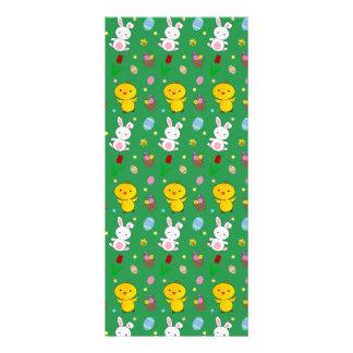 Modelo verde lindo de pascua de la cesta del huevo diseños de tarjetas publicitarias