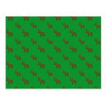 Modelo verde lindo del reno postales