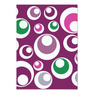 Modelo verde púrpura de las burbujas retras invitación personalizada