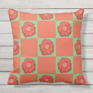 Modelo verde y anaranjado de los rosas cojín decorativo