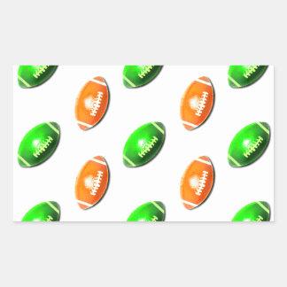 Modelo verde y anaranjado del fútbol pegatina rectangular