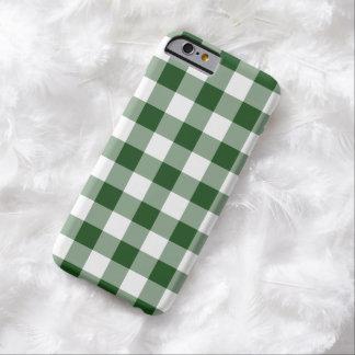 Modelo verde y blanco de la guinga funda de iPhone 6 barely there