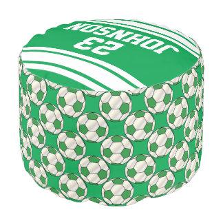 Modelo verde y blanco del fútbol del deporte puf redondo