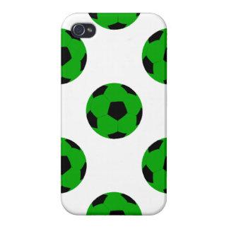 Modelo verde y negro del balón de fútbol iPhone 4 protectores