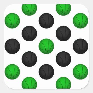Modelo verde y negro del baloncesto pegatina cuadrada