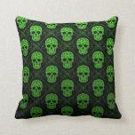 Modelo verde y negro del cráneo del azúcar almohada