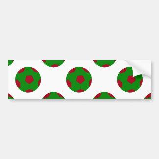 Modelo verde y rojo del balón de fútbol pegatina de parachoque