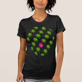 Modelo verde y rosado de la tortuga camiseta