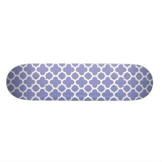 Modelo violeta del enrejado de Quatrefoil Skateboard