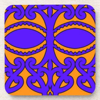 Modelos azules y anaranjados coloridos del tatuaje posavasos