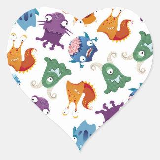 Modelos coloridos de la diversión loca de los pegatina en forma de corazón