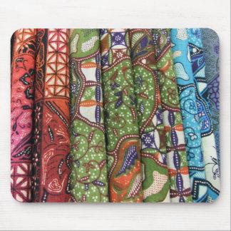 Modelos de los sarong del batik alfombrillas de raton