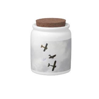 Modelos del biplano jarra para caramelo