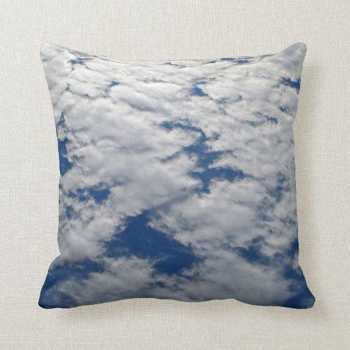 Modelos en el cielo almohada