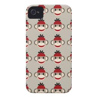 Modelos felices sonrientes del mono rojo del calce iPhone 4 Case-Mate cobertura