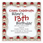 Modelos felices sonrientes del mono rojo del invitación 13,3 cm x 13,3cm