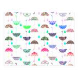 Modelos femeninos modernos del paraguas brillante  tarjetas postales