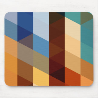 Modelos geométricos triángulos azules y alfombrilla de ratón