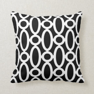Modern Oval Links Pattern in Black and White Pillow