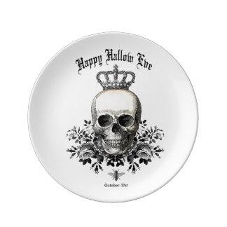 Modern Vintage Halloween skull and crown Dinner Plate