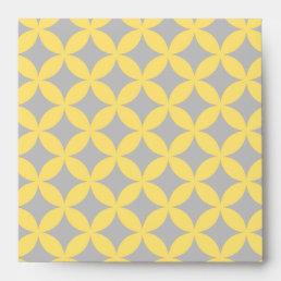 Modern Yellow and Gray Circle Pattern Envelope