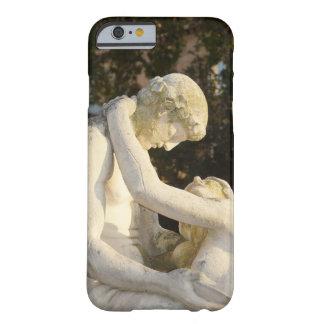 Modernismo estatuas amor + Alegría Funda Barely There iPhone 6