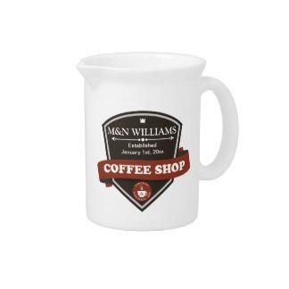 Modifique su logotipo conocido de la cafetería jarra para bebida