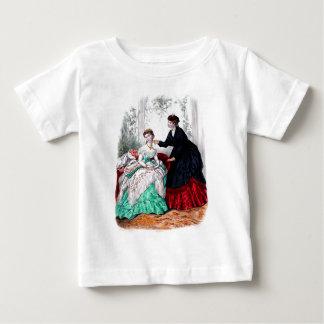 Modo Illustree Seafoam del La y vestidos de rubíes Remera