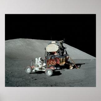 Módulo lunar de Apolo 17 y vehículo de vagueación Posters