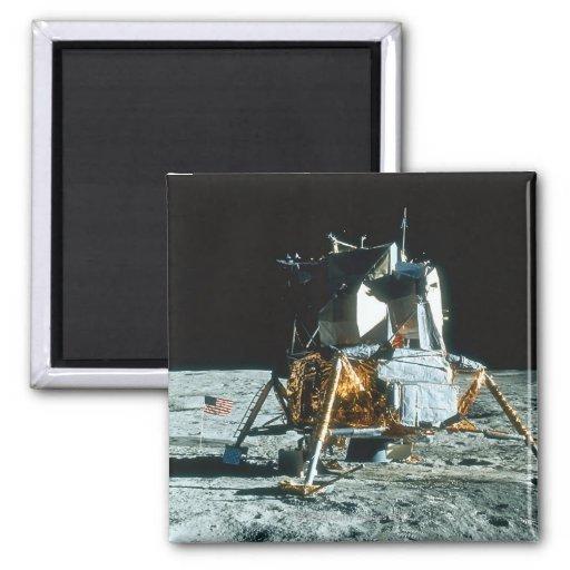 Módulo lunar en la luna iman