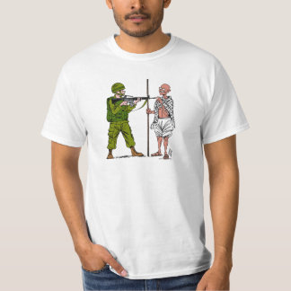 Mohandas Gandhi against Violence & Occupation T-Shirt