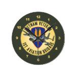 Mohawk del veterano de Vietnam Relojes De Pared