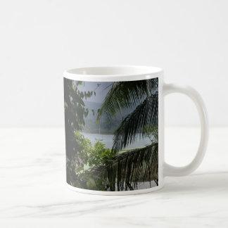 Moira en el ancla, Bahía Drake, costa Rica Taza Clásica