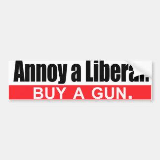 Moleste a un liberal - compre un arma - .png pegatina para auto