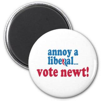 Moleste a un liberal imán redondo 5 cm