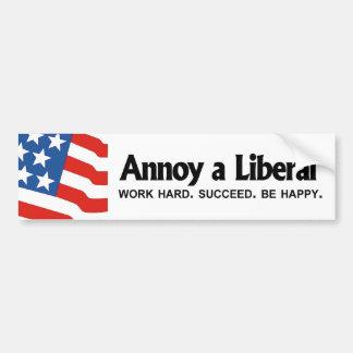 Moleste a un liberal - trabajo difícilmente. Tenga Pegatina Para Auto