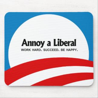 Moleste a un liberal - trabajo difícilmente. Tenga Tapete De Ratón