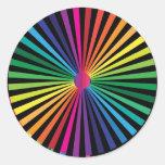 Molinillo de viento del arco iris etiqueta redonda